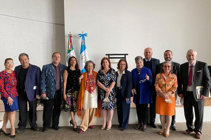 Reconocen a María Eugenia Gordillo con la medalla Ohtli de México